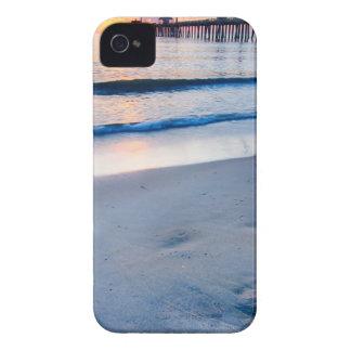 salida del sol externa de los bancos el al frente iPhone 4 Case-Mate carcasas