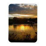 Salida del sol por el Riverbank Imanes Rectangulares
