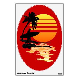Salida del sol que practica surf