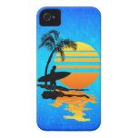 Salida del sol que practica surf iPhone 4 Case-Mate protectores