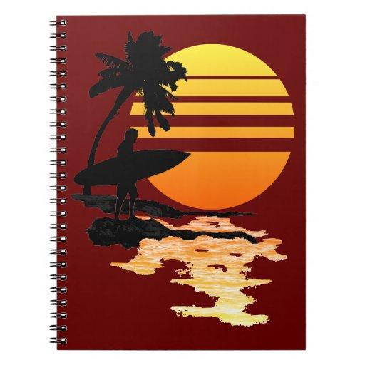Salida del sol que practica surf libro de apuntes