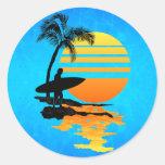 Salida del sol que practica surf pegatina redonda
