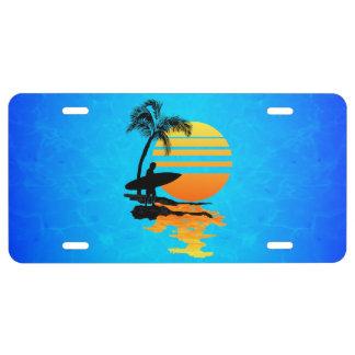 Salida del sol que practica surf placa de matrícula