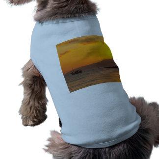 Salida del sol camiseta de perro