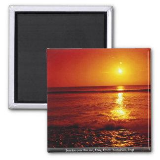 Salida del sol sobre el mar, Filey, North Yorkshir Iman De Nevera