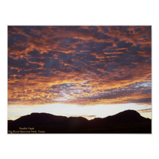 Salida del sol sobre el pico de Rosillo Póster