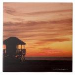 Salida del sol sobre la playa de Crandon en Key Bi Azulejo Ceramica