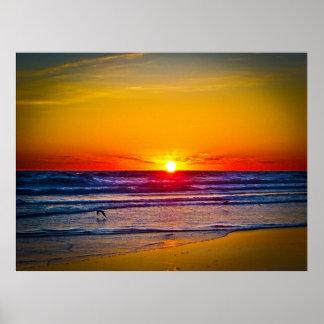 Salida del sol sobre la reflexión de Océano Atlánt Póster