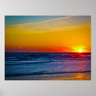 Salida del sol sobre la reflexión III de Océano At Póster