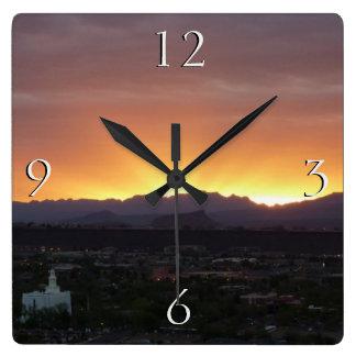Salida del sol sobre San Jorge Utah Reloj De Pared