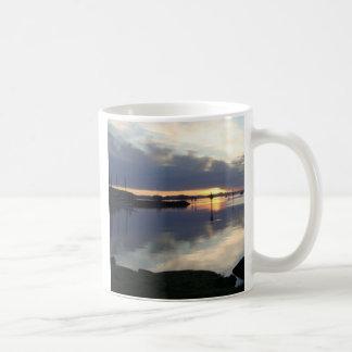 Salida del sol taza clásica