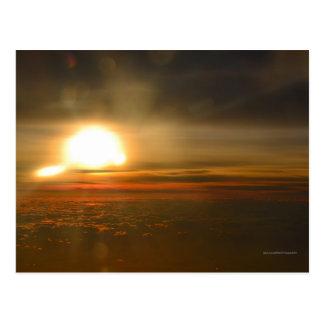Salida del sol única tarjeta postal