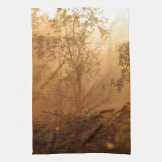 Salida del sol V del bosque Toalla De Cocina