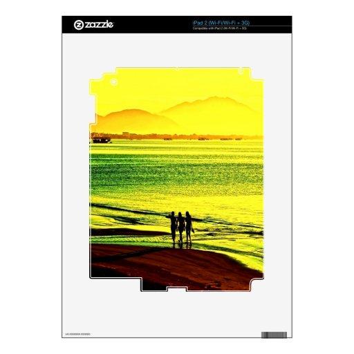 salida del sol y paz de la playa del paseo skin para el iPad 2