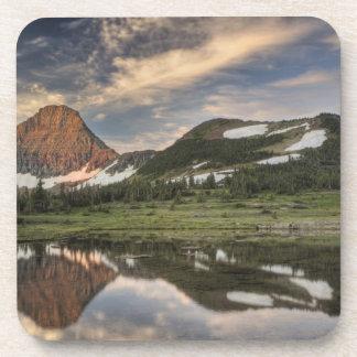 Salida del sol y reflexión, Parque Nacional Glacie Posavasos De Bebidas