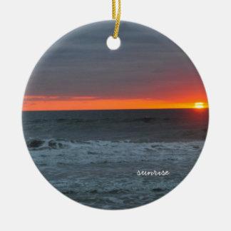 Salida del sol y sistema ornamento para arbol de navidad