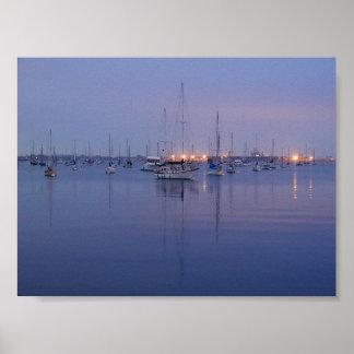 Salidas del sol de los veleros de las bahías del o póster