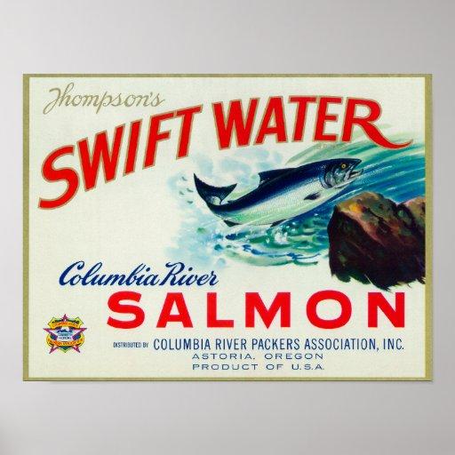 Salmones rápidos del agua de Astoria, Oregon - de  Posters