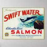 Salmones rápidos del agua de Astoria, Oregon - de  Póster