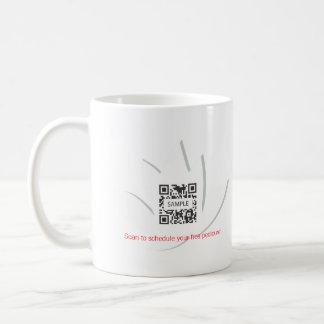 Salón del clavo de la plantilla de la taza de café