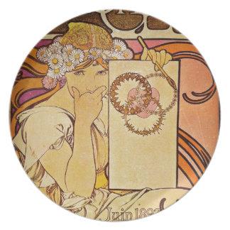 Salon of 100 a Woman Dinner Plate