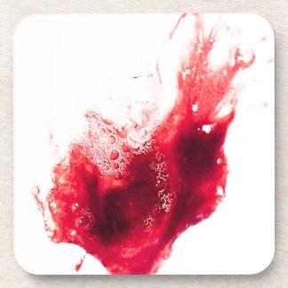 Salpicadura de la sangre de la forma del corazón posavasos de bebida
