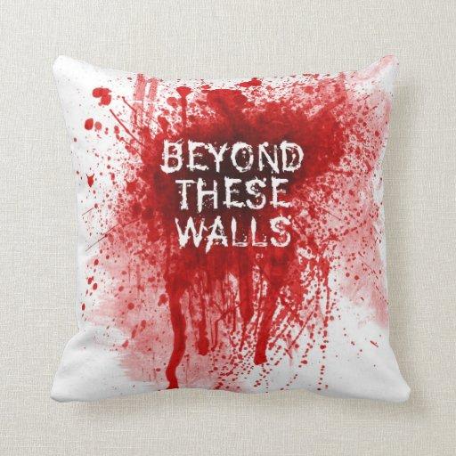Salpicadura de la sangre más allá de la almohada d
