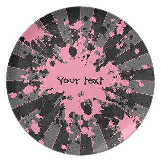 Salpicaduras personalizadas del rosa plato de comida