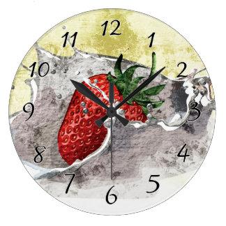 Salpicar la fresa reloj de pared