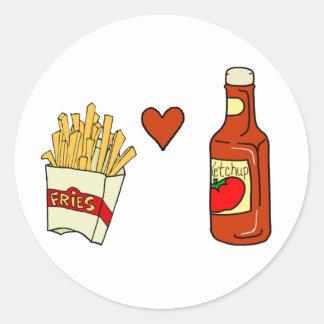 Salsa de tomate del amor de las patatas fritas pegatina redonda