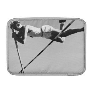 Saltador de poste de sexo masculino fundas macbook air