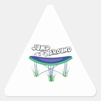 Salte alrededor pegatina triangular