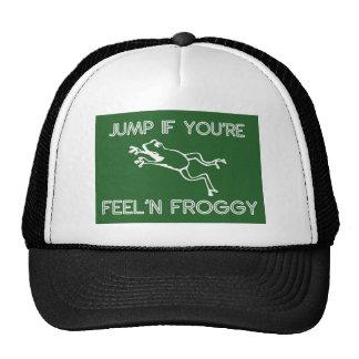 Salte si usted es verde del froggy del feelin gorro