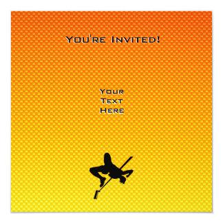 """Salto de altura amarillo-naranja invitación 5.25"""" x 5.25"""""""
