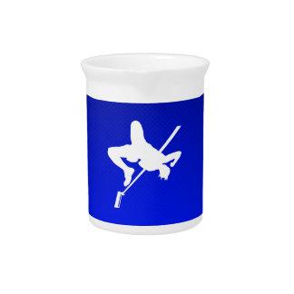 Salto de altura azul jarras para bebida