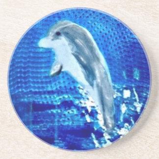 Salto de arte del delfín posavaso para bebida
