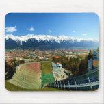 Salto de esquí de Innsbruck Tapetes De Ratón