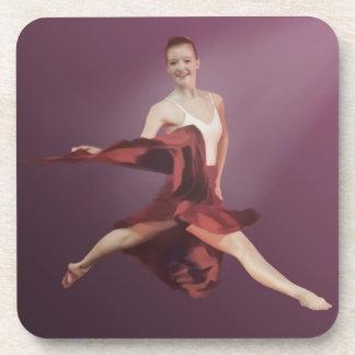 Salto de la bailarina en rojo y lavanda posavasos