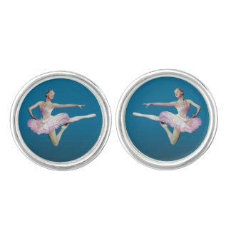 Salto de la bailarina en rosa y blanco gemelos