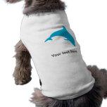 Salto de la silueta azul del delfín camisa de perro