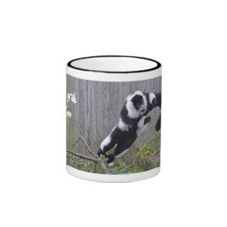 Salto de la taza del lemur