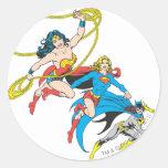 Salto de los Superheroines Etiquetas Redondas