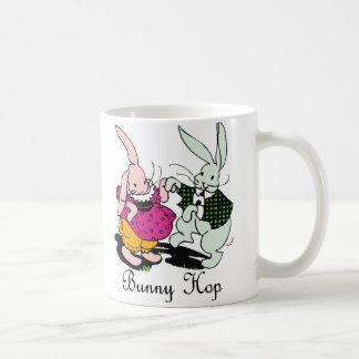 Salto del conejito taza de café
