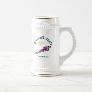 Salto del esquí de las mujeres tazas de café