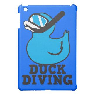 Salto del pato con la máscara de goma del duckie