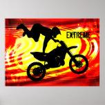 Salto explosivo del motocrós poster