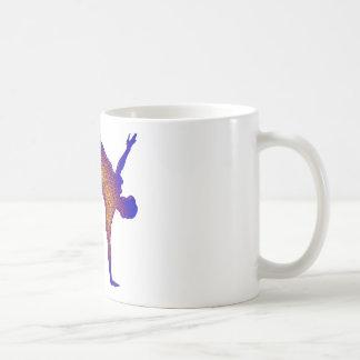 Salto mortal hacia atrás tazas de café
