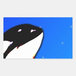 Saltos del espía de la orca de la orca en un cielo rectangular altavoz