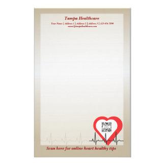 Salud del corazón de la plantilla de los efectos d  papeleria de diseño