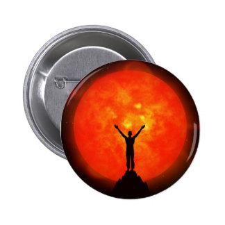 Saludo al botón/a la insignia de The Sun Pin